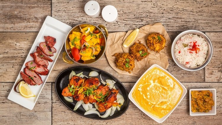 Feeling Peckish in Dublin? Share these Incredible Indian Snacks!